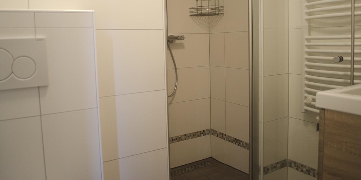 Roodborstje badkamer